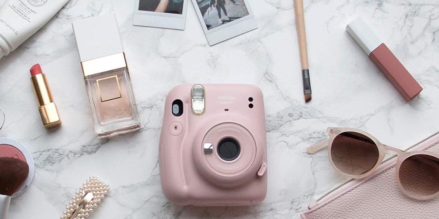 Cámara instantánea rosa pastel Instax Mini 11 de FujiFilm